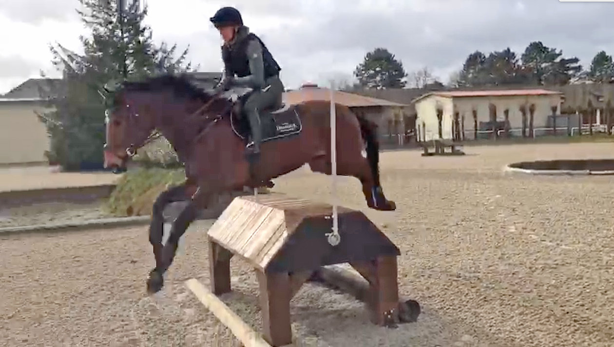 Sophie Leube rides on the OTTO Sport arena at the Bundeswehr Sports School in Warendorf