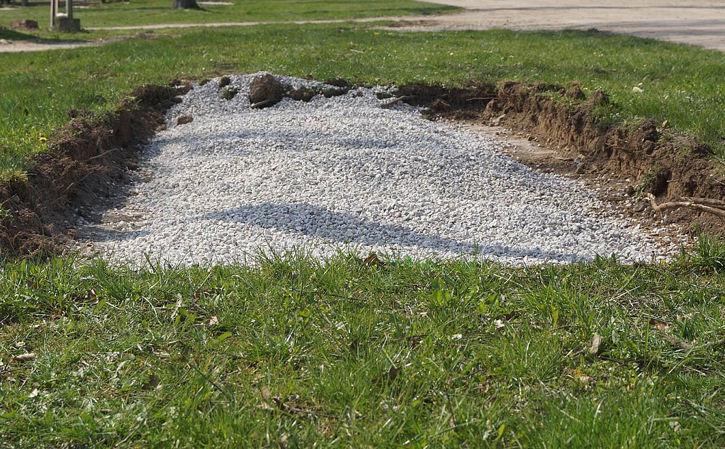 Gravel drainage layer as water-bearing layer
